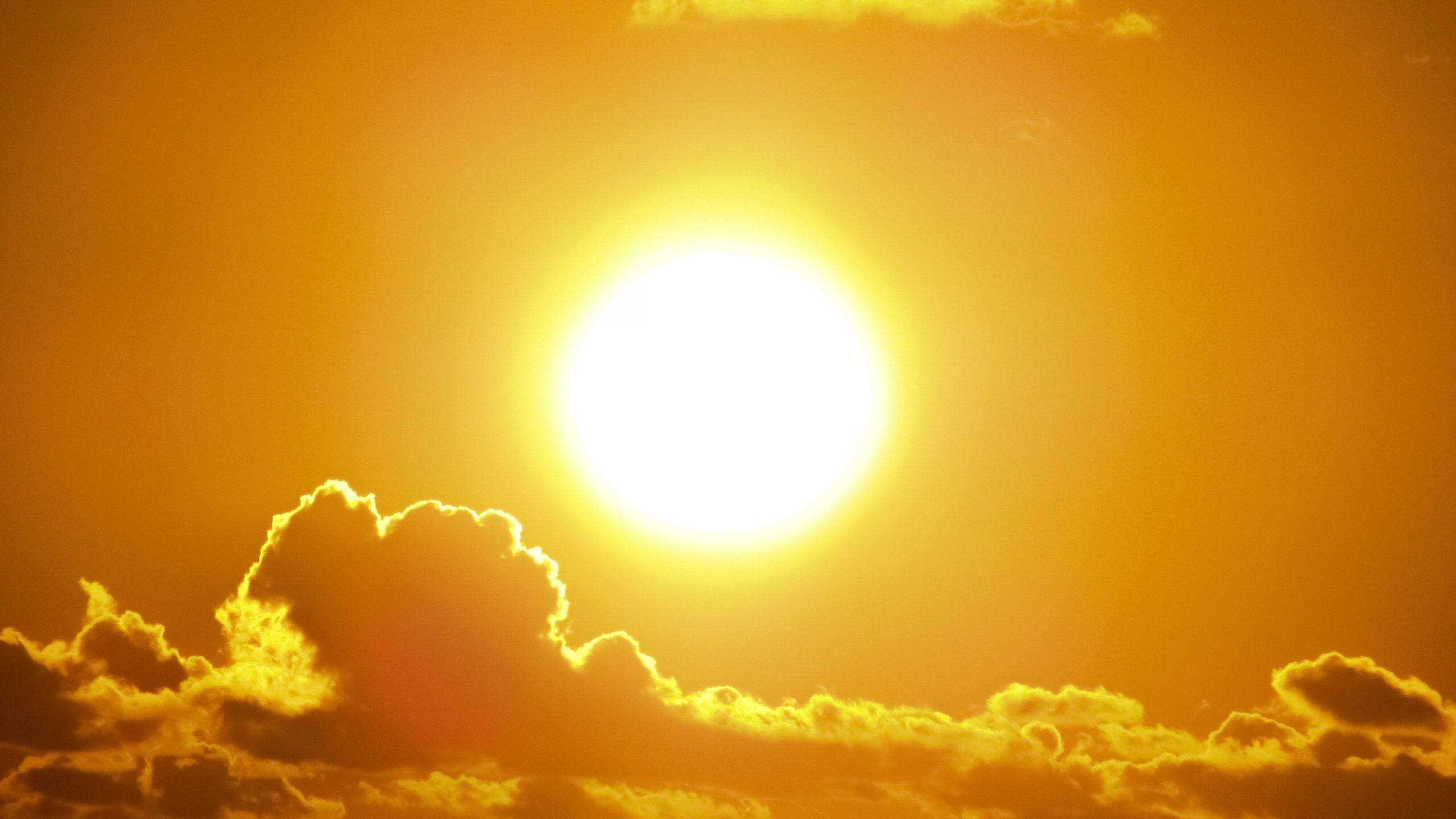 un dia soleado caluroso